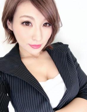 나츠키 미나미 (Minami Natsuki . 夏希みなみ) 1