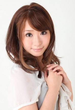 하츠미 사키 (Saki Hatsumi . 初美沙希) 2