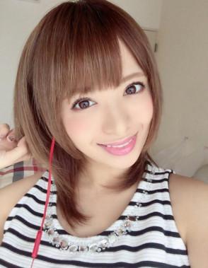 호시미 리카 (Rika Hoshimi . 星美りか) 1