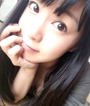 나나우미 나나 (Nana Nanaumi . 七海なな) 2
